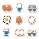 Egg, huevo frito, iconos del cartón de huevos fijados Imagenes de archivo