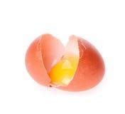 Egg quebrado en el blanco Imagen de archivo