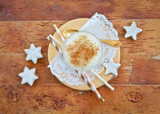 Eggnog with cinnamon Royalty Free Stock Photography