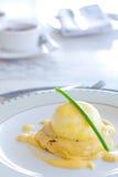 Eggs Венедикт Стоковые Изображения RF