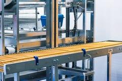 Eggs производственная линия без яичек стоковая фотография rf
