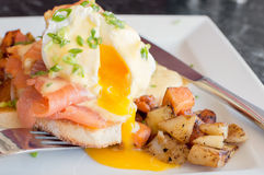 Eggs benedict with smoked salmon Royalty Free Stock Images