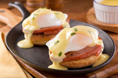 Eggs Benedict with Thick Cut Ham Royalty Free Stock Photos