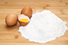 Eggs and flour. preparation of pasta Royalty Free Stock Photography