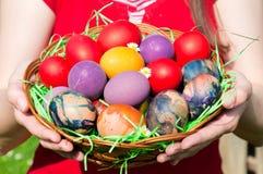 Eggs la cesta Fotografía de archivo