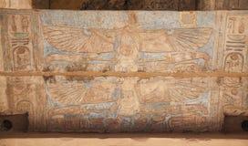 Egipscy hieroglify w Przedpogrzebowej świątyni Seti I, Luxor, Egipt obrazy stock