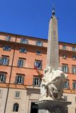 Egipski obelisk z słoniem Bernini na kwadratowym piazza della Obraz Royalty Free
