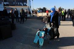 Egipskie władzy ponownie otwierać wyłącznego pasażerskiego skrzyżowanie między Gaza i Egipt w oba kierunkach dzisiaj obrazy stock