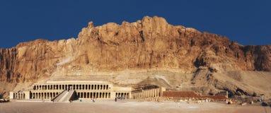 Egipt Luxor bahari bahri deir Egypt el ogólny hatshepsut Luxor przedpogrzebowy świątynny widok Przedpogrzebowa świątynia Hatsheps Obrazy Stock