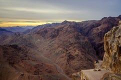 Egipt, Synaj góry Jeden na krawędzi bezdenności Fotografia Stock