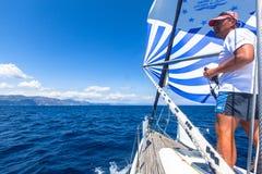 Żeglarzi uczestniczą w żeglowania regatta żaglu & zabawy trofeum od Marmaris Fethiye w morzu śródziemnomorskim Obraz Stock