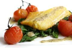 Eglefini, spinaci, pomodori Immagine Stock Libera da Diritti