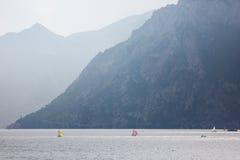 Żeglować na Jeziornym Gardzie Zdjęcie Royalty Free