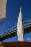 Żeglować Pod Auckland schronienia mostem Obraz Royalty Free