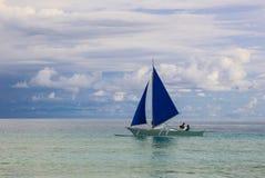 Żeglowanie łódź na morzu, Boracay wyspa, Filipiny Zdjęcia Royalty Free
