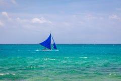 Żeglowanie łódź na morzu, Boracay wyspa, Filipiny Zdjęcia Stock