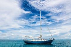 Żeglowanie łódź na morzu, Boracay wyspa, Filipiny Fotografia Royalty Free