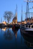 Żeglowanie łodzie w historycznym morskim schronieniu Hoorn, holandie Obrazy Stock