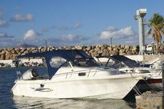 Żeglowanie łodzie w Kalyves plaży, Crete, Grecja, Europa Zdjęcia Stock