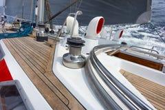 Żeglowanie łódź w nawigaci Obrazy Stock