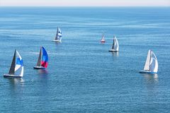 Żeglowanie jachty w Pacyficznym oceanie Fotografia Royalty Free