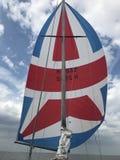 Żeglowanie popiółu żeglowanie z pięknym spinnaker Zdjęcia Royalty Free