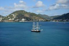 Żeglowanie statek blisko St Maarten Zdjęcia Royalty Free