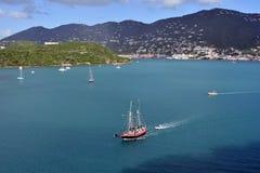 Żeglowanie statek blisko St Thomas Zdjęcie Royalty Free