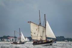Żeglowanie statki na morzu bałtyckim w Warnemuende Zdjęcia Royalty Free