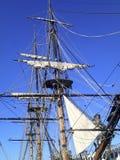 Żeglowanie statku maszt i wrony gniazdeczko Zdjęcie Stock