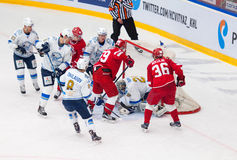 Egor Voronkov (59) vs Alexey Ivanov (28) Arkivbild