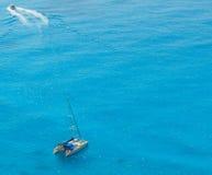 Egremni plaży łódź Zdjęcia Royalty Free