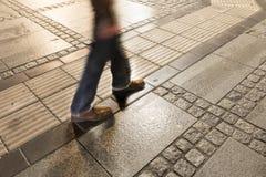 Egs del hombre que camina Foto de archivo