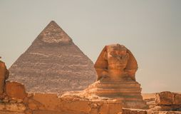Egypt, Cairo; August 19, 2014 - the Egyptian pyramids in Cairo. The arch of the temple. Gifts, sack Stock Photography