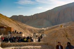 egypt görar till kung dalen Februari 18, 2017: Sitta för turister Arkivfoto