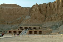 EGYPT, January 15, 2005: The Mortuary Temple of Hatshepsut, also known as the Djeser-Djeseru, Thebes, UNESCO World Heritage Site,. Egypt, North Africa, Africa stock images