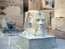 egypt luxor tempel antonioarkitekturbarcelona kolonner detail gaudiguellparken spain Royaltyfri Foto