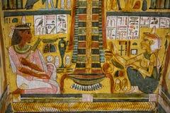 Egypten hieroglyfer i dalen av konungar arkivbild