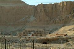 EGYPTEN Januari 15, 2005: Templet av drottningen Hatshepsut, Thebes, UNESCOvärldsarv, Egypten Arkivbilder