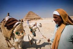 Egyptenaar en zijn kameel Royalty-vrije Stock Foto