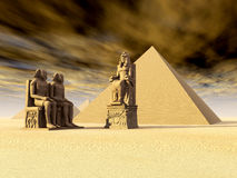 Egyptian Pyramids and Statues Royalty Free Stock Photos