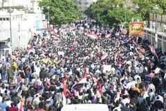 Egyptiens expliquant contre la règle militaire Image libre de droits