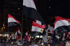 Egyptier som visar mot presidenten Morsi Royaltyfria Bilder