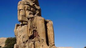 Egyptisch Standbeeld in de Grote Zaal in de Tempel van Karnak stock video