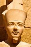 Egyptisch standbeeld in Luxor stock foto