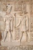 Egyptische beelden en hiërogliefen royalty-vrije stock afbeelding