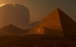 Egyptische Piramide bij schemer Royalty-vrije Stock Foto