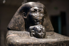 Egyptische tegels met beelden van de inzameling van Neues-Museum royalty-vrije stock foto