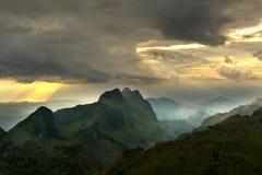 egyptisk bergsolnedgång för öken Arkivfoto