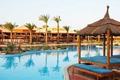egyptisk hotellsemesterort för bakgrund Arkivfoton